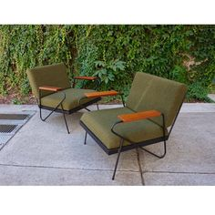 Mid Century style iron lounge chairs. by FandFVintage on Etsy