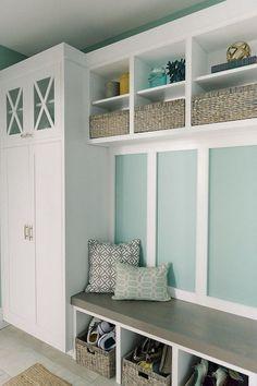 f514f3e6 84+ Inspirative Entryway Decorating Ideas #entryway #decorating  #decoratingideas Украшение Призожей, Гардероб