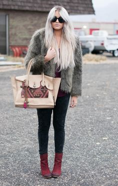 burgundy & faux fur I've been wanting this Simone Camille carpet bag!!