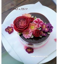 Soy bean cream flower ricecake~♡ 韩式豆沙裱花 헤이즐럿무스 떡 케이크 #cake #modelling #flowercake #covering #flowercake #flower #design #dessert#food#ricecake #class #inquiry #CAKEnDECO # 韩式豆沙裱花 #앙금플라워떡케이크 #앙금플라워 #앙금플라워떡케익 #플라워케이크 #작약 #심화반클래스문의 #떡케이크 #케이크 #떡 #디저트#인스타그램#사진#일상 #포토그램 #플라워 #플라워케이크 #꽃스타그램 #먹스타그램 #앙금플라워 #케익앤데코 KakaoTalk, WeChat ID : cakendeco http://www.cakendeco.co.kr