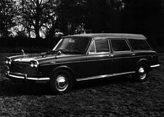 Crayford produced an estate car version of the Austin 3 Litre. Seeing as the saloon never sold in big numbers, wonder how many of these were produced? Morris Oxford, Fifth Gear, Austin Cars, Chrysler 300c, Roof Installation, Diesel Cars, Shooting Brake, Austin Healey, Car Magazine