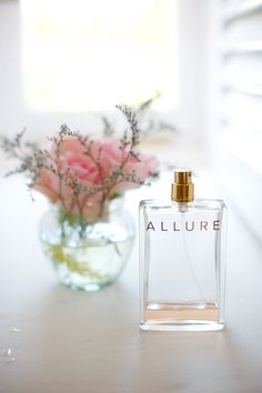 Love the idea of photographing the perfume you wear on your wedding day Ibiza Wedding, Destination Wedding, Vases, Parfum Chanel, Chanel Chanel, Perfume Packaging, Antique Perfume Bottles, Vintage Perfume, Beautiful Perfume