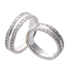 #LoveMarkPH Double Eternity Silver Couple Ring: Made with 92.5% silver. For the woman's ring, it has 56 pieces of cubic zirconia; while for the men, it has 68 pieces. [Item code: lr0024]