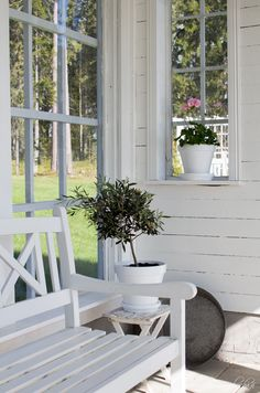 Sommarbacka Enclosed Porches, Decks And Porches, Shed Interior, Interior And Exterior, Back Patio, Small Patio, House With Porch, House In The Woods, She Sheds