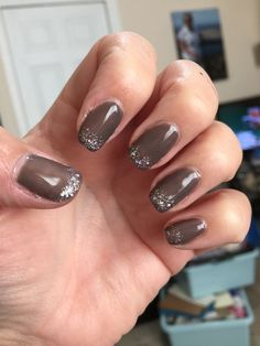 Rubble colour gel nails with pretty old gold glitter tips. Very pretty in my shorter nails right now