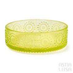 Riihimäki Grapponia Yellow Bowl 20,5 cm, designed by Nanny Still. Nordic vintage from Finland.  #アラビアフィンランド #北欧ヴィンテージ #北欧ヴィンテージ食器 #北欧食器#nordicdishes #nordicvintage #vintagedishes #レトロ食器 #ヴィンテージ食器 #Finnishdesign#nannystill #still #riihimäenlasi  #riihimäki #finnishglass #designglass #nordicdesign #scandidesign#ナニースティル #grapponia #グラッポニア