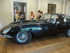 La Jaguar del 1961 di Franco Maria Ricci http://lefotodiluisella.blogspot.it/2015/07/labirinto-masone-fontanellato.html