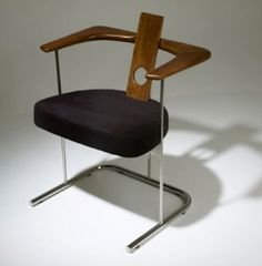 1983 by Sergio Rodrigues Daav chair.