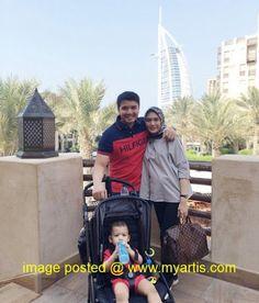10 GAMBAR - ERIN MALEK & KELUARGA BERCUTI DI DUBAI & LONDON   Baru-baru ini Erin Malek yang kini sedang hamil anak kedua itu telah bercuti di Dubai dan London bersama suami Farriz Fauzy serta anaknya Mohamed Faliq. Menerusi laman Instagram pasangan ini mereka telah berkongsi gambar-gambar sekitar percutian mereka di sana. Jom lihat!<< BERITA & GAMBAR SELANJUTNYA - SILA KLIK >> via My Artis Gosip