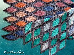 harmoninen huivi Ravelry: Knitted Scarf Venice pattern by Svetlana Gordon Diy Tricot Crochet, Tricot D'art, Knit Or Crochet, Crochet Shawl, Knitting Stitches, Knitting Yarn, Hand Knitting, Stitch Patterns, Knitting Patterns
