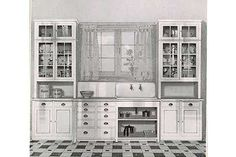 Historical Kitchens « 1912 Bungalow ~ Ever wonder what your historic bungalow kitchen used to look like? Some examples from the early to the late 1920s Kitchen, Victorian Kitchen, Old Kitchen, Kitchen Redo, Kitchen Styling, Kitchen Remodel, Kitchen Pass, Kitchen Ideas, Vintage Kitchen Cabinets
