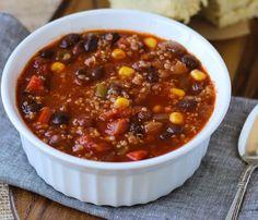 Best Ever Quinoa Chili vegan and gluten-free - MakingThymeforHealth//cornbread recipe at end Yummy! Vegan Soups, Vegan Dishes, Vegan Vegetarian, Vegetarian Recipes, Healthy Recipes, Vegan Meals, Chili Recipes, Diet Recipes, Dairy Free Recipes