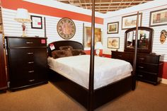 Queen Bedroom Set - Colleen's Classic Consignment, Las Vegas, NV - www.colleenconsign.com