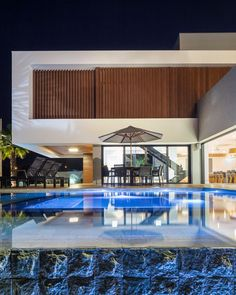 "Marcos André de Andrade on Instagram: ""Casa Panorama #arquiteturabrasileira"" Swimming Pools, Mexico, Mansions, House Styles, Outdoor, Twitter, Instagram, Home Decor, Interior Design"
