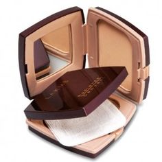 Lakme-Radiant-Complexion-Compact-0