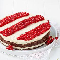 Marjainen Marianne-kakku - Fazer Yummy Treats, Sweet Treats, Vanilla Cake, Tiramisu, Red And White, Cheesecake, Berries, Chocolate, Baking