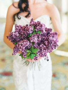 10 Insanely Pretty Spring Wedding Bouquets: This lilac mono-floral bouquet looks as fresh as it is fragrant. Photo by Carmen Santorelli Photography Lilac Wedding Flowers, Spring Wedding Bouquets, Wedding Colors, Lavender Weddings, Gray Weddings, Winter Weddings, Indian Weddings, Summer Flowers, Lilac Bouquet