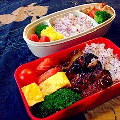 旦那と子供の分。読売テレビに遠足だって。裏山。 - 14件のもぐもぐ - お弁当ふたつ by uzumaki1220