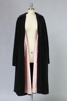 "Incredible Dior ""New Look"" 1950s Velvet Opera Coat – The Vintage Net"