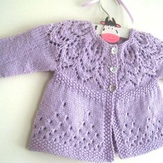 Free Knitting Pattern Baby Cardigan with Cables Baby Cardigan Knitting Pattern Free, Knitted Baby Cardigan, Knit Baby Sweaters, Knitted Baby Clothes, Baby Knitting Patterns, Baby Patterns, Dress Patterns, Baby Girl Cardigans, Baby Sweater Patterns