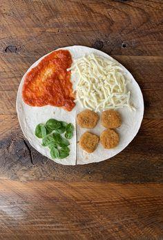 Vegan Recipes, Snack Recipes, Cooking Recipes, Crunch Wrap, Tortilla Wraps, Quesadilla Recipes, Just Eat It, Breaded Chicken, Skinny Girls
