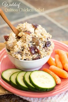 Waldorf Quinoa Chicken Salad - a simple, healthy, and protein-packed combination with sweet juicy grapes and crunchy walnuts. Make it for an easy summer dinner or lunches all week | cupcakesandkalechips.com | gluten free recipe