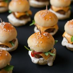 Mini Burgers  If I had to choose the ultimate party food it would definitely be this recipe. I make them mini burgers for birthdays, New Year parties,...