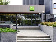 Accorhotels.com Sidewalk, Outdoor Decor, Home Decor, Decoration Home, Room Decor, Side Walkway, Walkway, Home Interior Design, Walkways