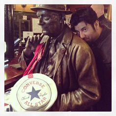 'Sunday pub lunch with @chinowmoreno and El Bronzo.' @emizzlevandizzle #mycanvasjourney #emmmcj