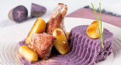 Lombinho com maçã e puré de batata violeta