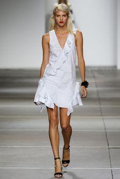 Topshop Unique – Spring 2015 RTW Runway Fashion, Spring Fashion, Fashion Show, London Fashion, Woman Fashion, High Fashion, Trendy Dresses, Nice Dresses, Famous Wedding Dresses