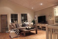 Ny sofa ENDELIG på plass :)