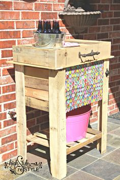 Rustic Pallet Cooler With Bottle Cap Artwork — Highstyle ReStyle