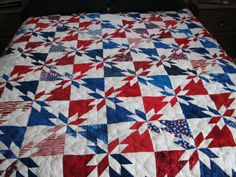 All American Patriotic Quilt - Machine Quilted Star Pattern - www.raeleescreations.com