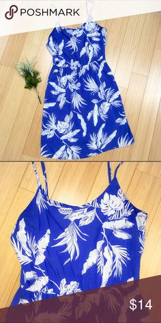 "OLD NAVY lightweight dress, M Tropical blue!  Enjoy summer in this lightweight dress by Old Navy, sz medium. Adjustable straps, dress length is 36"". Old Navy Dresses Midi"