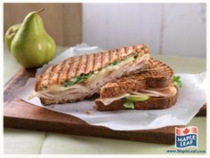 Roasted Chicken, Pear and Brie Panini ~ I would substitute the pear for apple. Tasty, Yummy Food, Yummy Yummy, Healthy Snacks, Healthy Recipes, Easy Food To Make, Roasted Chicken, Nutrition Tips, Brie