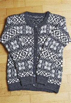 """Tema 39: Modell 8 """"Jølster"""" kofte #norsk #klassiker #strikk #knit"""