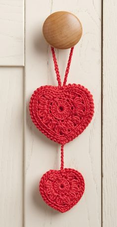 DMC Red Hearts Tutorial ● Teresa Restegui http://www.pinterest.com/teretegui/● Red Heart Free Patterns, Crochet Designs, Free Crochet, Crochet Home, Crochet Motif, Crochet Stitches, Knit Crochet, Crochet Patterns, Crochet Flowers