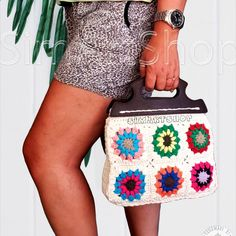#crochet #crochetbags #grannysquare #flowerbag #flowertote #crochetgrannysquares #brightcolors #cottonbag #crochetflower #creamtote #handmade #handbags #handmadebags #handmadebyme #bagsandpurses #uniquebags #bohostyle #bohobag #hippie #hippiebag #purecotton #ecofriendly #freeshipping #onlinebags #giftforher #crochetpurse
