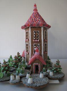 Moomin Gingerbread House - I love moomin Merry Christmas To You, Christmas Makes, Christmas Holidays, Xmas, Christmas Gingerbread House, Gingerbread Man, Gingerbread Cookies, Ginger House, Candy House