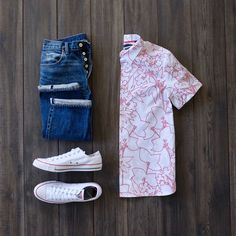 Casual spring style inspiration from @runnineverlong #spring #style #floral  Shirt: @perryellis  Selvedge Denim: @jcrew  No Show Socks: @taft  Sneakers: @converse