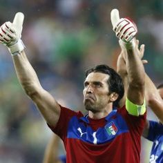 Buffon, Way to go. Italy Soccer, Reggio, Pride, Football, My Love, My Style, Sports, Baby, Fo Porter