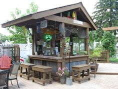 Shed Diy Tiki Bar Backyard Pool Bar Built with Old Patio Outdoor Patio Bar, Outdoor Kitchen Bars, Backyard Bar, Outdoor Kitchen Design, Outdoor Spaces, Outdoor Living, Outdoor Bars, Diy Patio, Bars Tiki