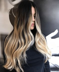 Trending Wavy Hairstyles - Trending wavy hairstyles have many options to have a good looking haircut. Betting that you fall in love with at least one of these hairstyles? Balayage Hair Brunette With Blonde, Brown To Blonde Ombre, Blonde Hair With Highlights, Platinum Blonde Hair, Face Hair, Ombre Hair, Hair Looks, Dyed Hair, Hair Inspiration