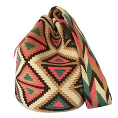 double thread Wayuu mochila bags are all made in the region of La Guajira, Colombia by indigenous Crochet Crafts, Crochet Projects, Knit Crochet, Tapestry Bag, Tapestry Crochet, Knitted Bags, Quilting Designs, Handicraft, Fashion Bags