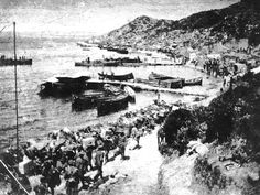 """ By now 3500 ANZACs ashore vastly outnumber the Ottoman troops in the area"" Gallipoli Campaign, Anzac Cove, Anzac Day, World War I, Military History, Troops, New Zealand, Paris Skyline, First World"