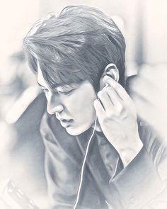 Thank You Lyrics, Lee Min Ho Pics, Minho, Korean Actors, Korean Drama, Kdrama, Sketches, Black And White, Celebrities