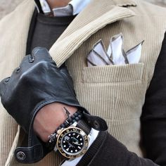⌚️▪️Today sporting my @AnilArjandas bracelet and @WhatchsDotCom Perlon strap on my GMT! Love this double breaster body warmer in this windy day⌚️◾️
