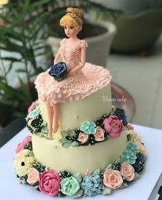 Pretty birthday cakes Photograph PRETTY BIRTHDAY CAKES PHOTOGRAPH   IN.PINTEREST.COM FASHION #EDUCRATSWEB