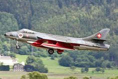 Hawker Hunter, Patrouille Suisse, Swiss Airforce landing at Zeltweg, Austria Air Force, Jet Air, Swiss Air, Air Planes, Military Jets, Rockets, Hunters, Astronomy, Austria